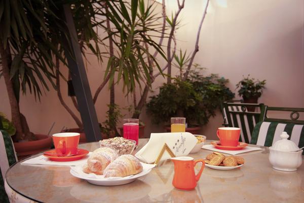 breakfast-hotel-arnolfo-servizi