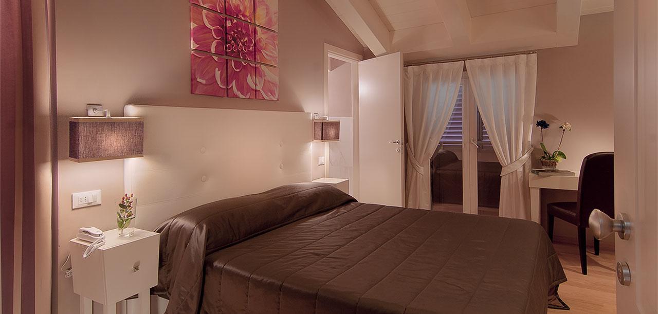 camera-deluxe-hotel-arnolfo-intro