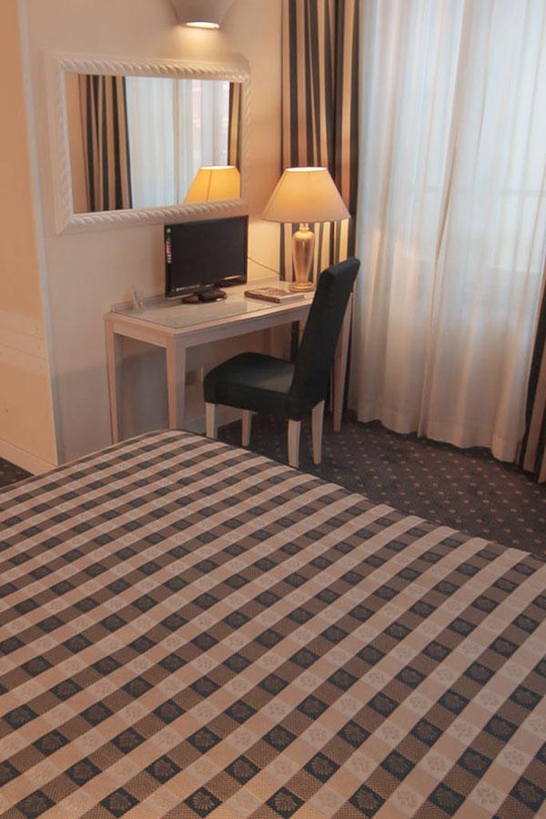 camera-economy-hotel-arnolfo-laterale